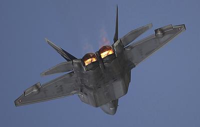 СМИ: ВВС США одобрили оснащение F-22 более совершенными авиационными ракетами