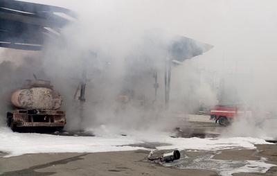 На въезде в Челябинск загорелся бензовоз
