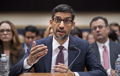 """Глава Google объяснил Конгрессу, почему поиск слова """"идиот"""" выдает фото Трампа"""