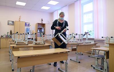 Почти 30 свердловских школ частично приостановили учебу из-за вспышки пневмонии