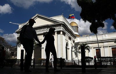 Оппозиция Венесуэлы утверждает, что не намерена справляться с кризисом силовым путем