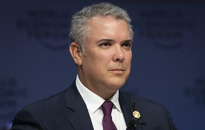 Президент Колумбии приказал вернуть грузовики с гуманитарной помощью для Венесуэлы