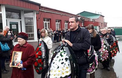В Волгограде простились с актером Петром Зайченко