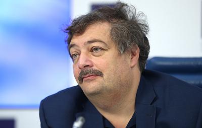 """В """"Новой газете"""" сообщили об улучшении состояния писателя Быкова"""