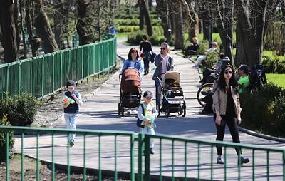 Эксперты предлагают ввести в России гибкий график отпуска по уходу за ребенком