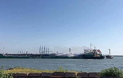 Число жертв взрыва на танкере в Махачкале возросло до четырех
