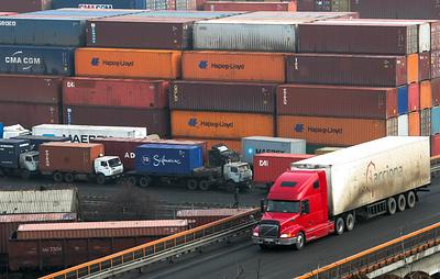 Минтранс с 1 июля разрешит транзит санкционных грузов