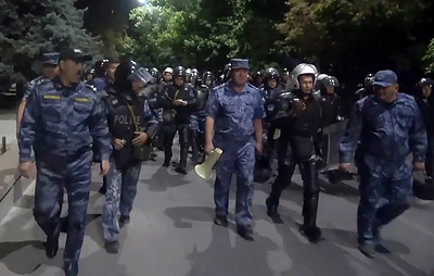 Во время беспорядков в Бишкеке задержаны 40 сторонников экс-президента Киргизии