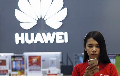 """Голосовой помощник """"Яндекса"""" могут внедрить в смартфоны Huawei"""