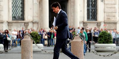 """""""Желто-зеленое"""" правительство подало в отставку. Каким будет новый кабмин Италии"""