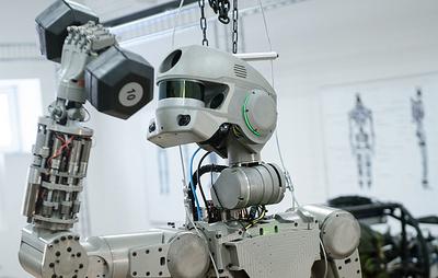 """Робот """"Федор"""" способен поднять одной рукой предметы массой до 50 кг"""