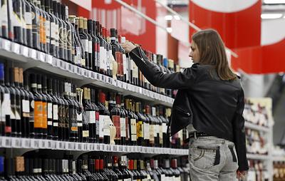 В Росстате рассказали, сколько россияне тратят на покупку алкоголя и табака