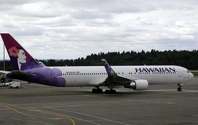 В США семь человек госпитализировали после аварийной посадки самолета Hawaiian Airlines