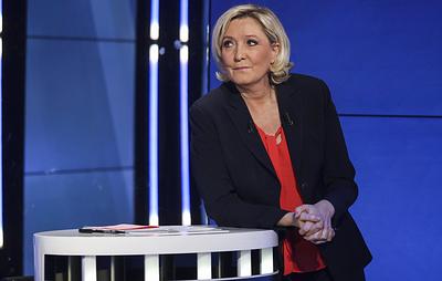 """Ле Пен считает противостояние Европы возвращению России в G8 """"пародией на холодную войну"""""""