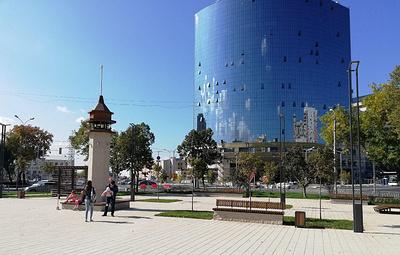 Крымская площадь открылась в Самаре в День города после ремонта