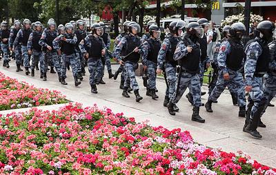Прокурор просит приговорить Устинова к 6 годам заключения за нападение на бойца ОМОН photo