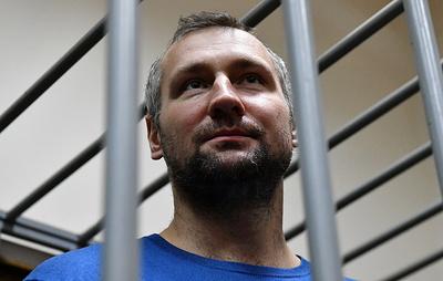 Суд арестовал хоккеиста Мусатова по обвинению в крупном мошенничестве с криптовалютой
