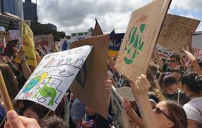 Экологические активисты провели акции протеста в городах Австралии