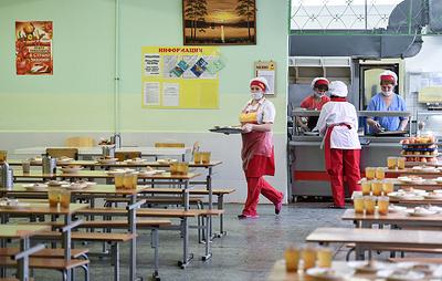 В Госдуму внесли законопроект о горячем питании для учеников младших классов
