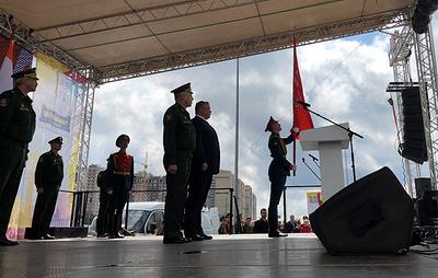 Копии Знамени Победы и 476-го стрелкового полка передали главе Ставрополья