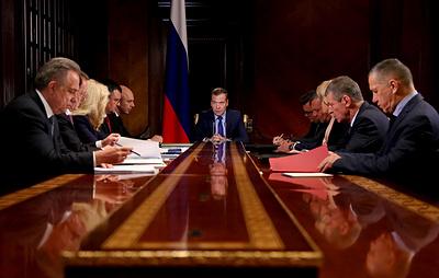 Медведев: дети в автобусах будут перевозиться только с пристегнутыми ремнями безопасности
