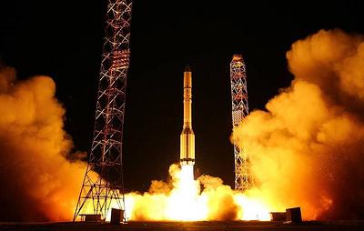 """Источник: запуск """"Протона-М"""" перенесен из-за неправильно подключенного спутника США"""