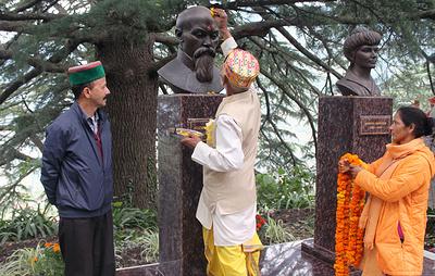 Первые в Индии памятники Николаю Рериху и его жене открылись в долине Кулу