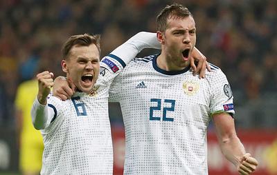 Болельщики признали Дзюбу и Черышева лучшими игроками октябрьских матчей сборной России