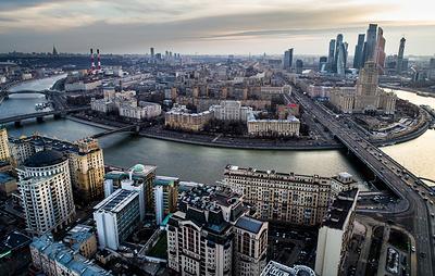 Неизвестные сбросили загрязненные стоки в Москву-реку
