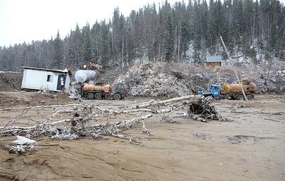 СК подтвердил проведение обысков в золотодобывающей компании по делу о прорыве дамбы