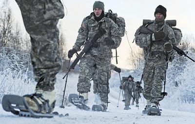 Постпредство РФ посоветовало НАТО закупать учебники по истории вместо арктической формы