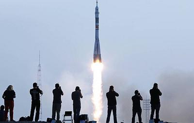 """Роскосмос доработает интерфейс корабля """"Союз"""" для полета туристов"""