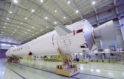 """В Роскосмосе заявили, что не откажутся от ракеты """"Ангара"""""""