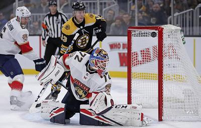 """""""Флорида"""" отыгралась с 0:4 и победила """"Бостон"""" в матче НХЛ. Бобровский был заменен"""