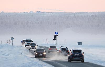 Ледовая переправа через реку Обь на Ямале начала работу