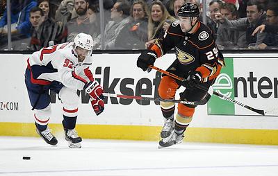 """""""Вашингтон"""" обыграл """"Анахайм"""" в матче НХЛ. Кузнецов забросил шайбу"""