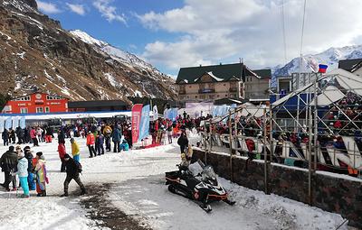 Юбилейный горнолыжный сезон открылся на Эльбрусе