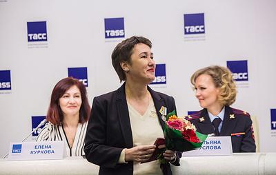 Руководитель петербургского пресс-центра ТАСС награждена медалью МЧС России