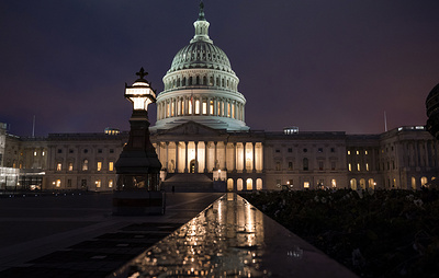 Палата представителей одобрила передачу обвинений против Трампа по импичменту в Сенат