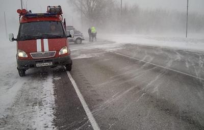 Движение по шести дорогам в Алтайском край закрыли из-за непогоды