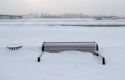 В Новосибирске ввели режим ЧС после обильных снегопадов