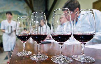 Роскачество составило рейтинг российских ликерных вин