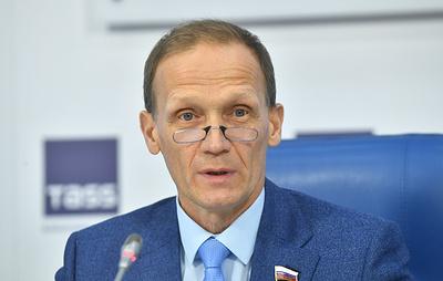 Драчев: биатлонист Логинов готовится к эстафете на ЧМ, несмотря на прошедшие обыски