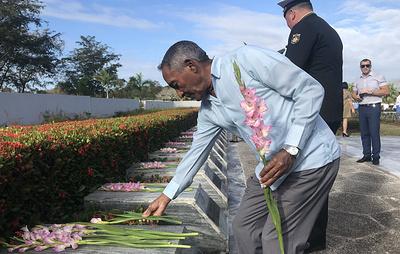 Делегации РФ и Кубы возложили цветы к могилам советских воинов в День защитника Отечества