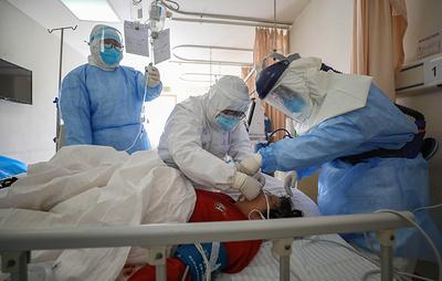 Число жертв коронавируса в Китае выросло до 2663