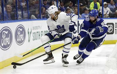 """Гол Кучерова не спас """"Тампу"""" от поражения в матче НХЛ против """"Торонто"""""""