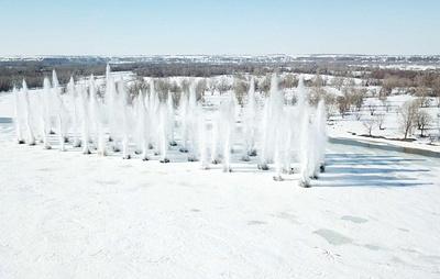 Военные инженеры начали взрывать лед на реке Бия в Алтайском крае