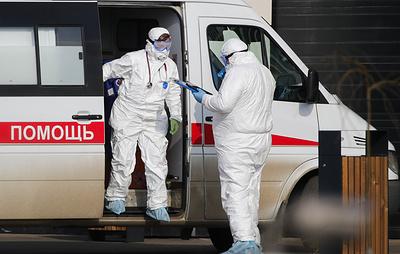 Власти Якутии повысят зарплату медикам, которые борются с коронавирусом