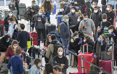 Десятки россиян не могут вылететь из Нью-Йорка в Москву из-за отмены рейсов