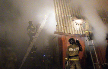 В Хакасии погиб ребенок при пожаре в частном доме